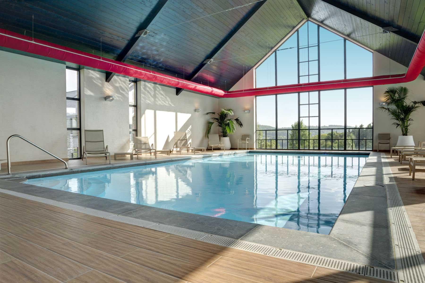 Azur en Ardenne binnen zwembad