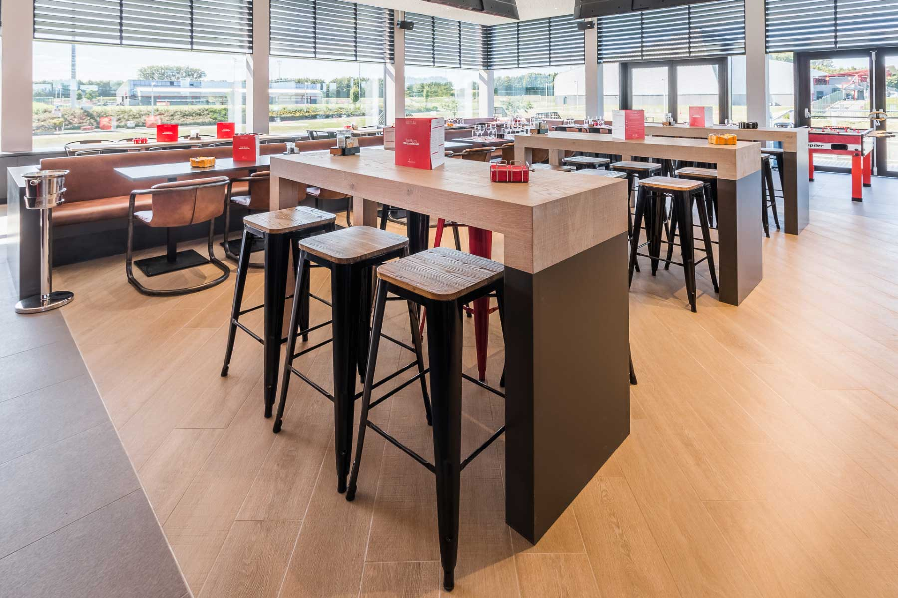 Martin's Red sport bar grill